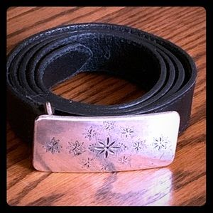 Eddie Bauer leather belt size XL